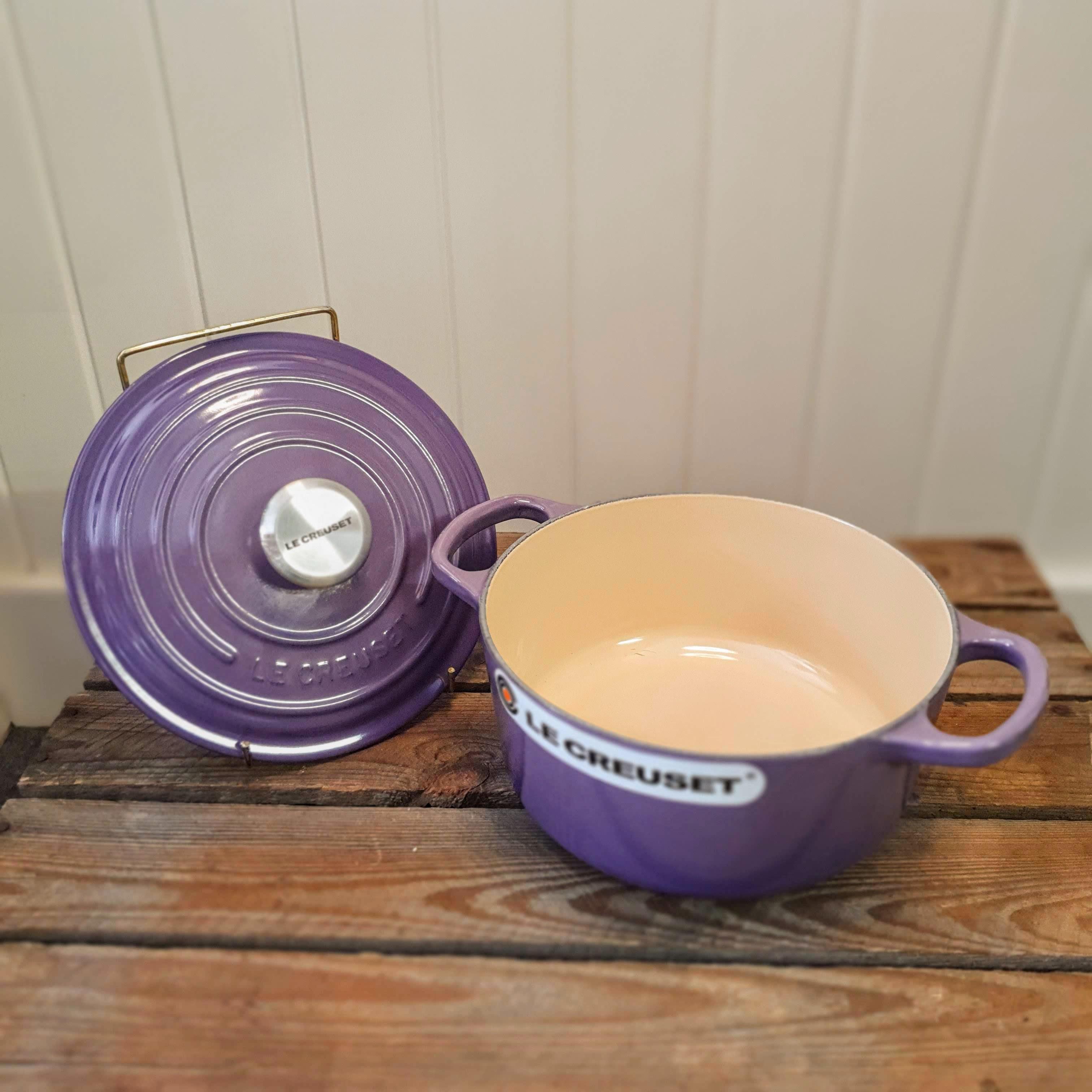 le creuset 18cm round casserole ultra violet open
