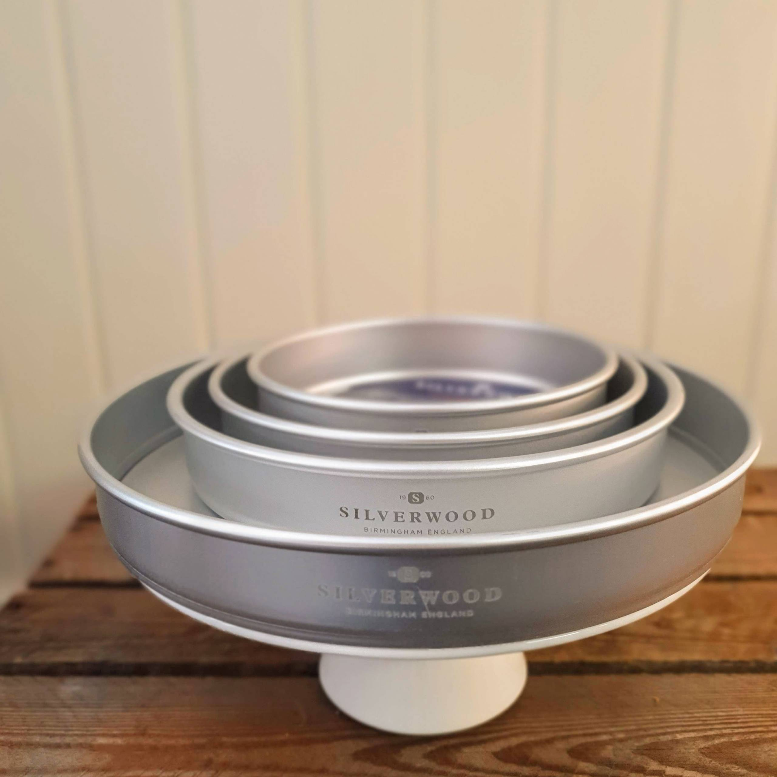 Silverwood sandwich tin multi solid base 1
