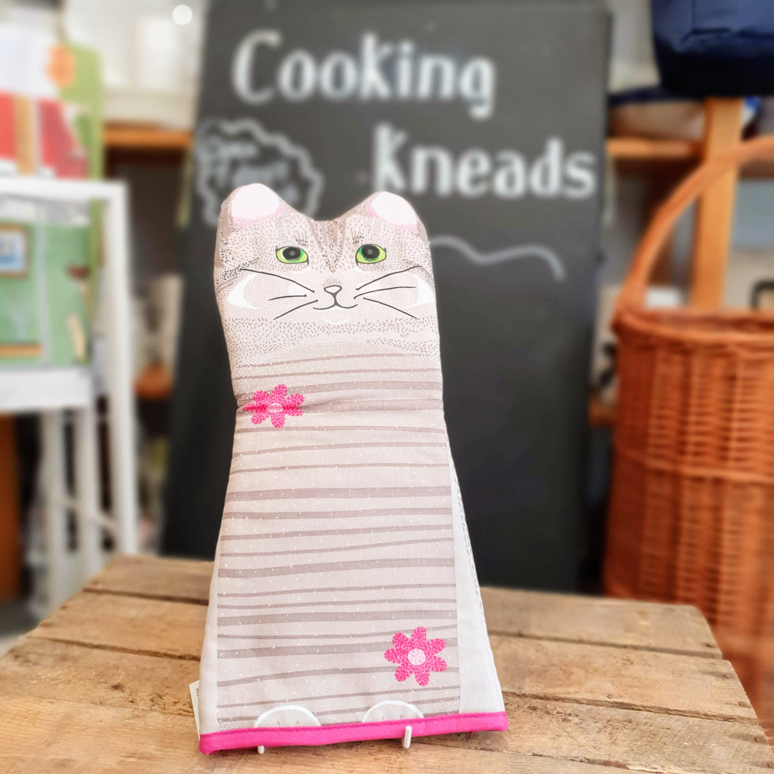 Oven glove cat
